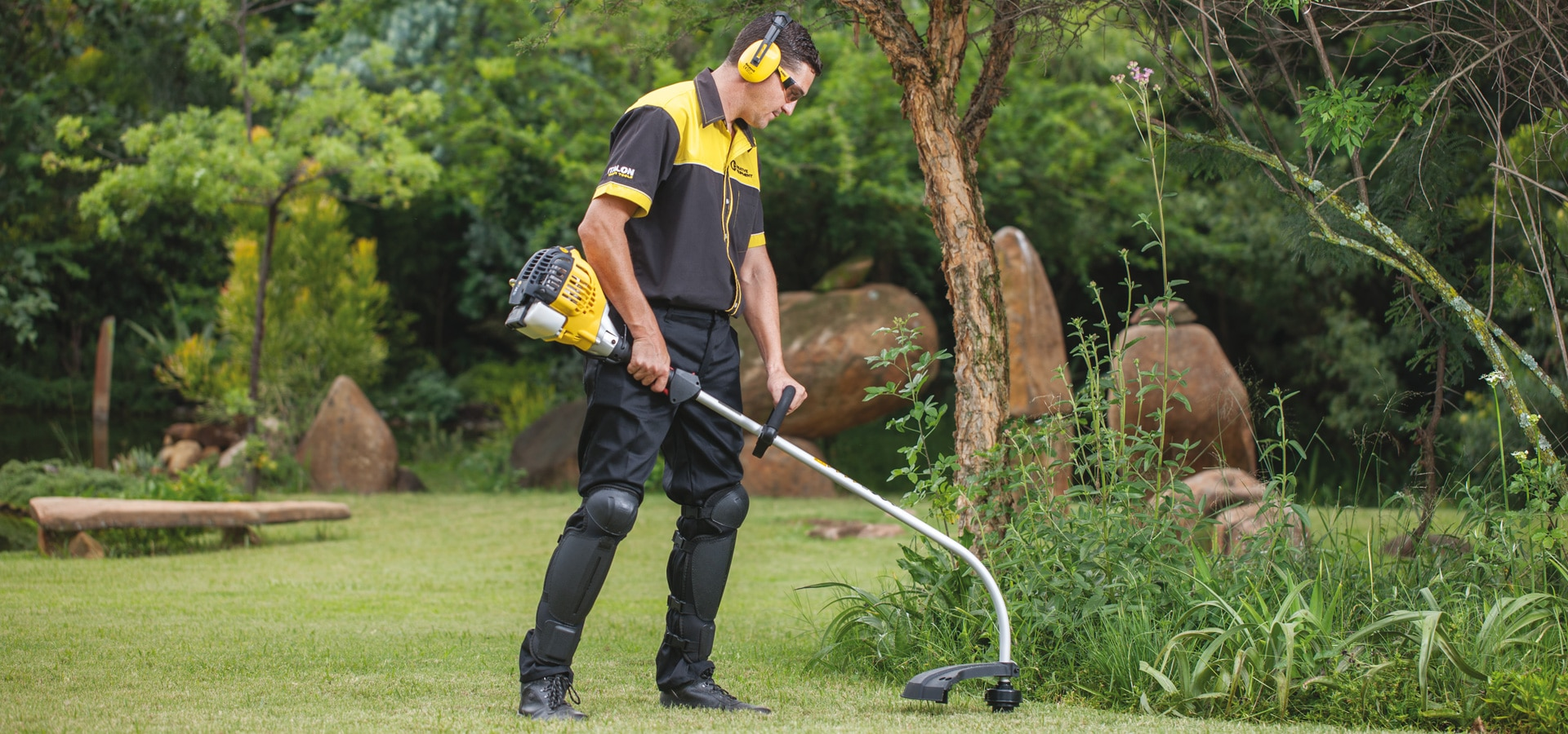 The toughest tools for the toughest jobs - LAWNMOWER CLINIC CC